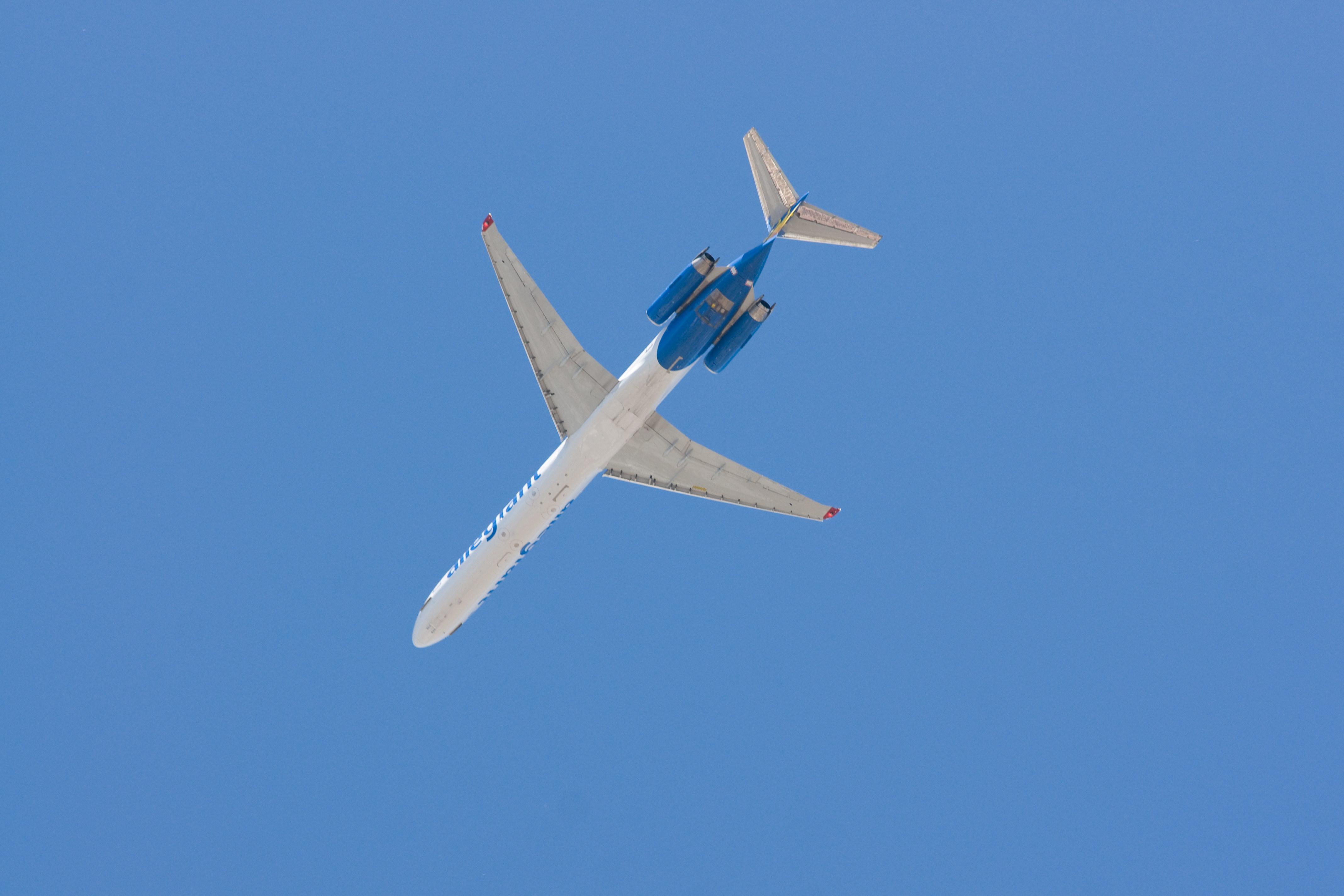 McDonnell Douglas MD-82