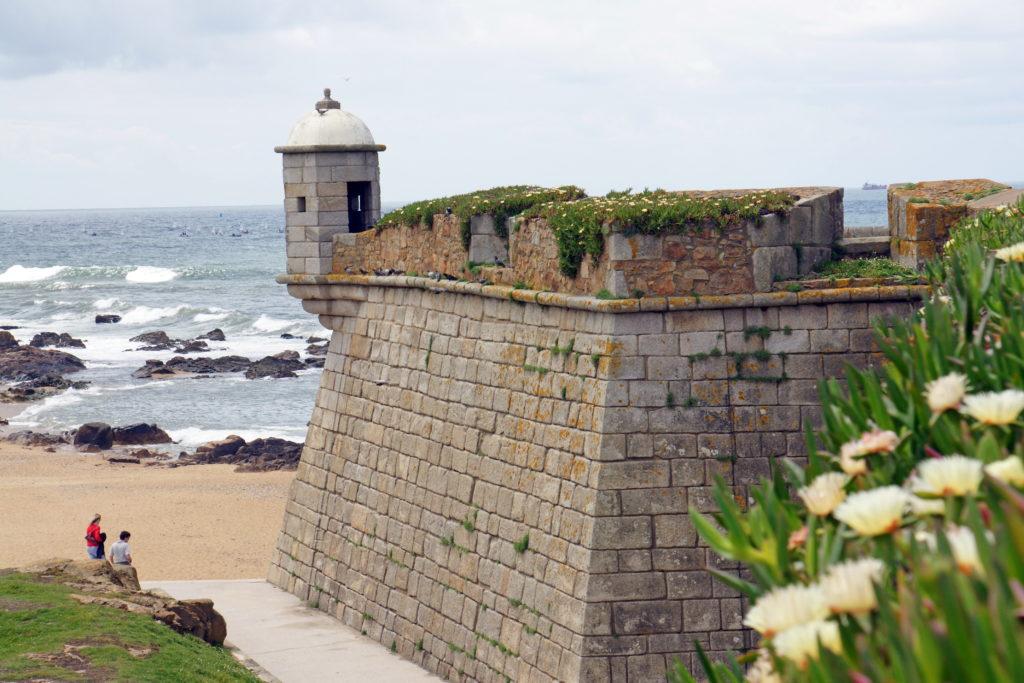 Forte de São Francisco do Queijo battlements.