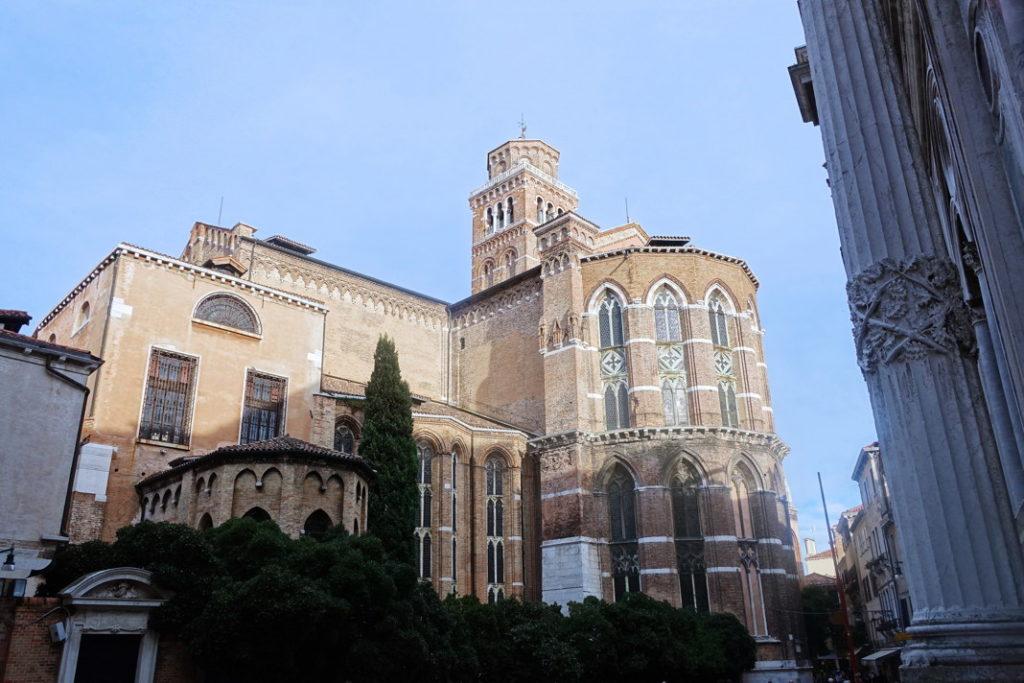 The transept of the Basilica di Santa Maria Gloriosa dei Frari.