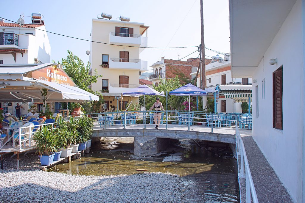 A small stream runs through the town. There are ducks and tiny fish in the fresh water.