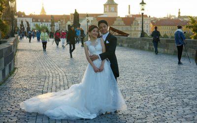 Brides on Karlův Most