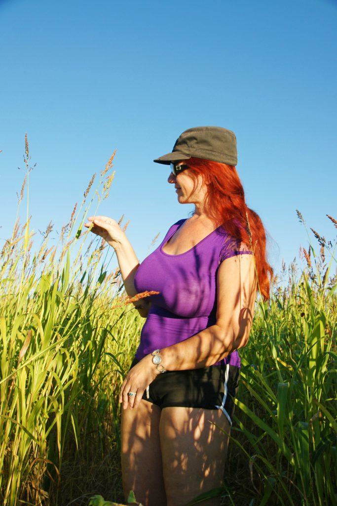 Enjoying the tall grasses.