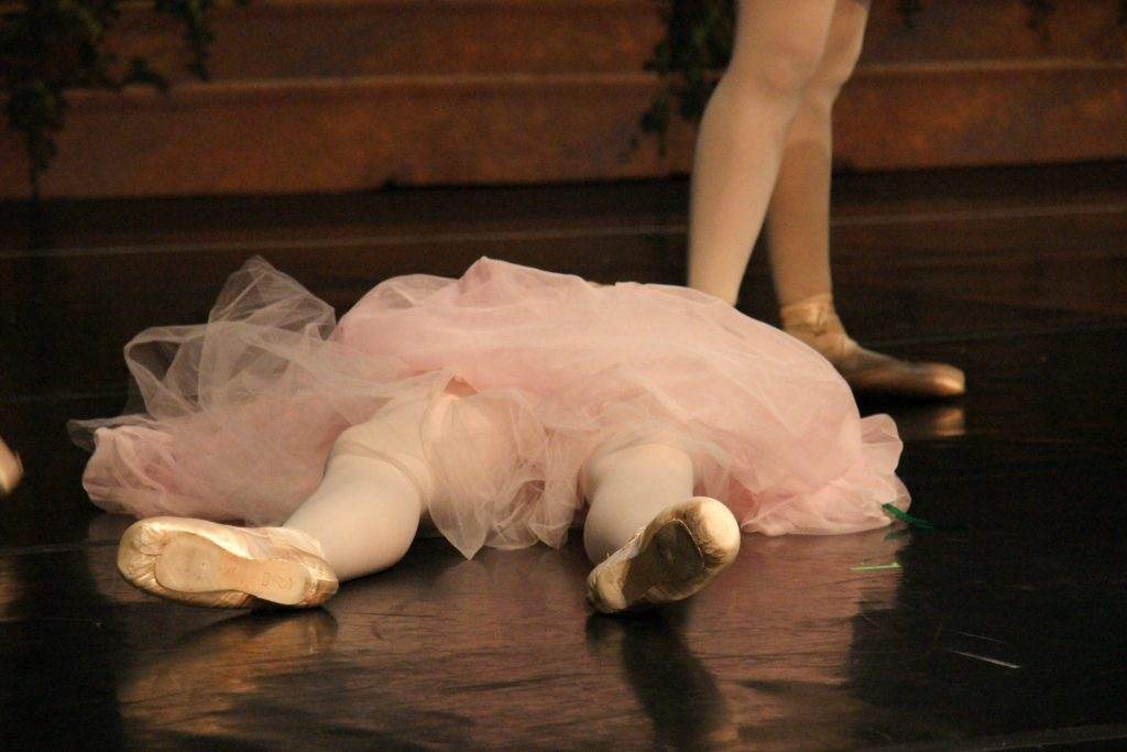 Ballet dancing: sometimes, you just gotta take a break.