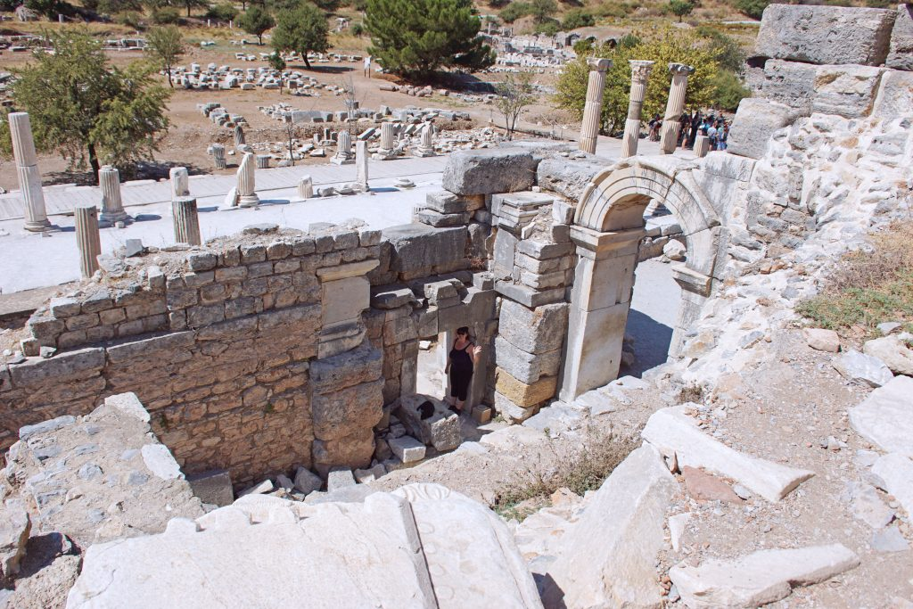 An example of the multiple layers of living space in ancient times.